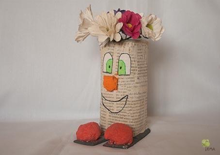 Florero con tetra brik